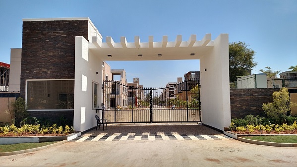 Plots on Hosur Road